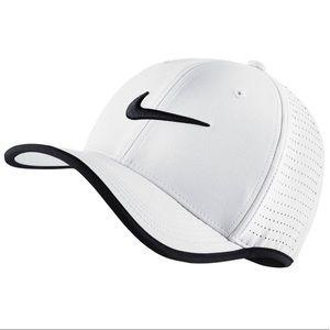 Nike AeroBill Classic 99 Cap, White/Black, Unisex